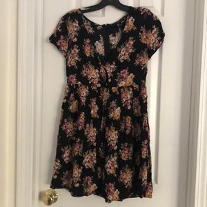 Forever 21 floral dress small